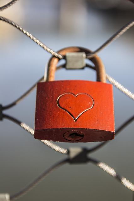 Liebesschlösser sollen die ewige, unauflösliche Verbindung zwischen den beiden Liebenden symbolisieren